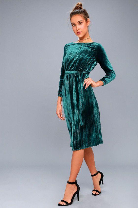 275127256879 The BB Dakota Lennox Forest Green Velvet Long Sleeve Midi Dress is the hit  of any soiree! Soft