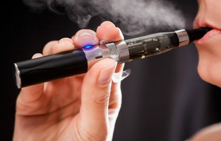 Planean vender cigarrillos electrónicos con marihuana Los cigarrillos electrónicos funcionan mediante el calentamiento de nicotina líquida, que convierte en un vapor inhalable http://elvocero.com/planean-vender-cigarrillos-electronicos-con-marihuana/