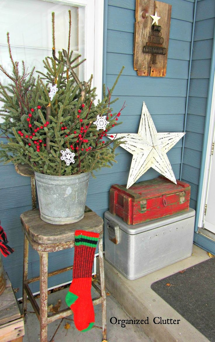 Wooden outdoor christmas decorations - Junkers Unite With An Outdoor Rustic Christmas Vignette