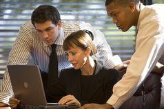SOCIAL MEDIA AT WORK: IS IT A GOOD IDEA? (8/3/2015)
