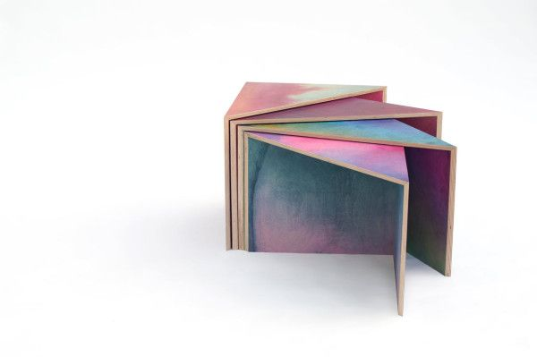 Wooden Aquarelle is a method that Meike Harde uses to color bare wood