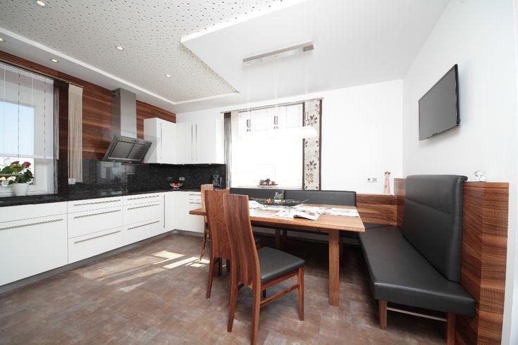 die 25 besten kleine eckbank ideen auf pinterest schuhbank sitzbank truhe und banktruhe. Black Bedroom Furniture Sets. Home Design Ideas