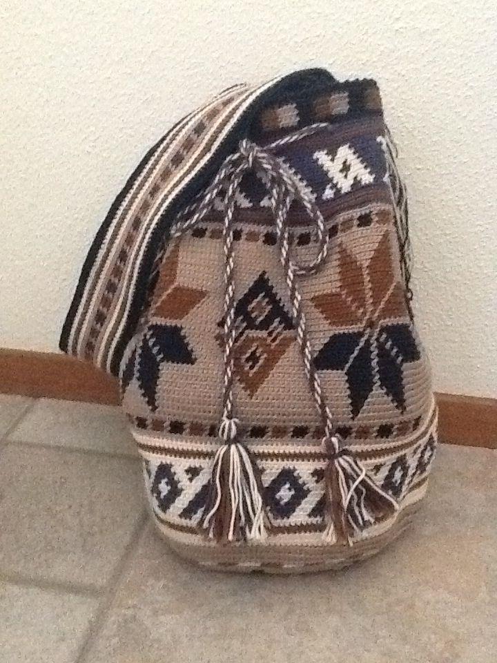 Mijn eerste zelfgehaakte tas! Emmy van der Kreeft. Patroon Thea vd Berg-Nelissen.