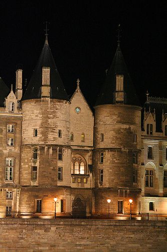 La Conciergerie In Paris France, is a very historical monument that includes the remains of the oldest royal palace in Paris and was first constructed at the start of the 14th century but was then turned into a prison during the 15th century. Located on the Ile de la Cite...