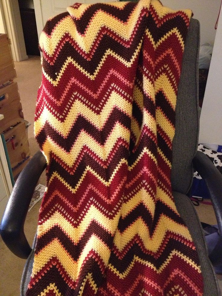 Fall Zig Zag Afghan By Bernat Design Studio - Free Crochet Pattern - (ravelry)
