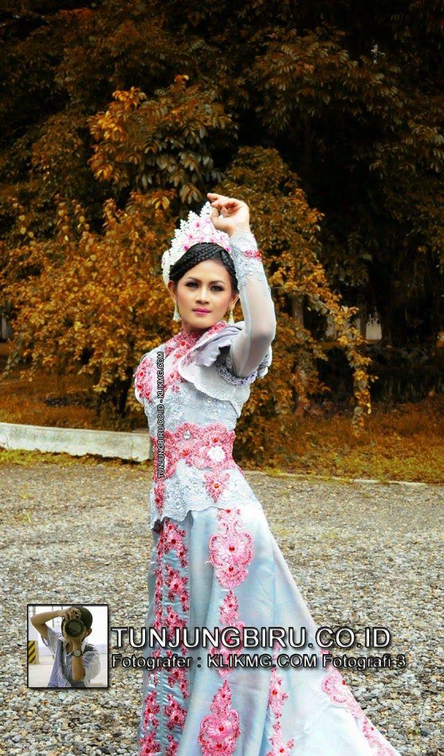 Koleksi Busana Dan Contoh Tatarias TUNJUNGBIRU.CO.ID - SILVER PINK DRESS | Foto oleh KLIKMG.COM [3] Fotografer Cilik Purwokerto