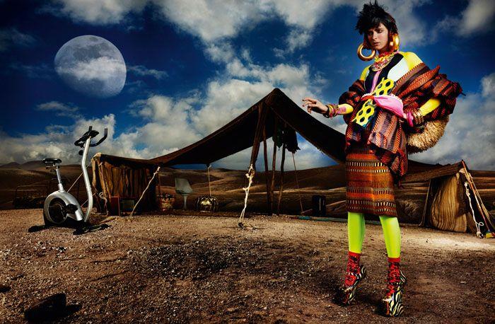 Кармен Касс (Carmen Kass) в фотосессии Марио Тестино (Mario Testino) для журнала Vogue UK (май 2012), фотография 12