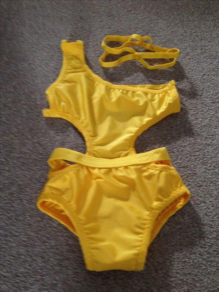 http://m.ebay.co.uk/itm/Sunshine-Yellow-One-Off-9-10-Year-Old-Freestyle-Disco-Costume-Headband-/282573795770?nav=SELLING_ACTIVE