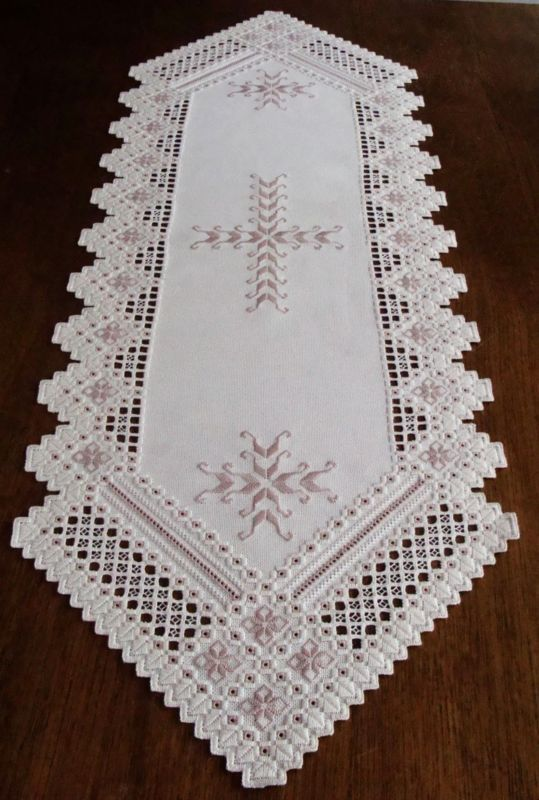Spectacular HARDANGER Embroidery - TABLE RUNNER - handmade from Germany