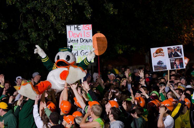 University of Oregon, ESPN, College GameDay, Ducks, Football, Erin Andrews, Lee Corso, Chris Fowler, Kirk Herbstreit, Desmond Howard, David Pollack, Erin Andrews