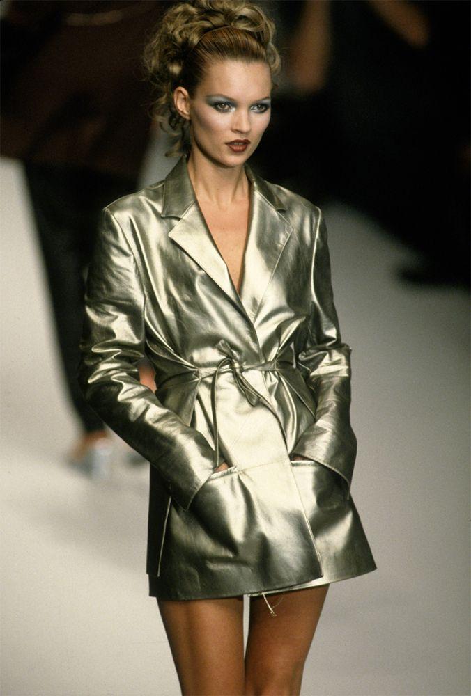 An ode to the '90s supermodels like Naomi Campbell, Kate Moss, Linda Evangelista and Tatjana Patiz