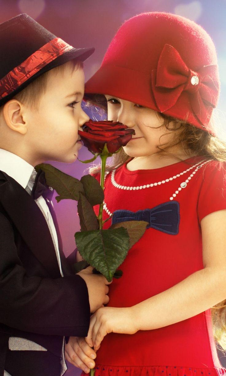 Fondo de pantalla Cute Couple 768x1280                                                                                                                                                                                 Más