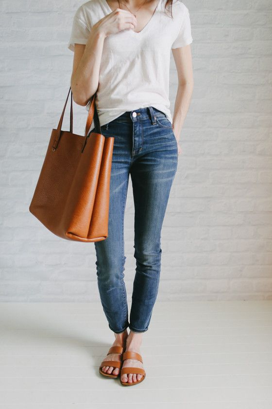 Casual basics with matching accessories - 6.20 the unfanciest outfit - by Un-fancy.com