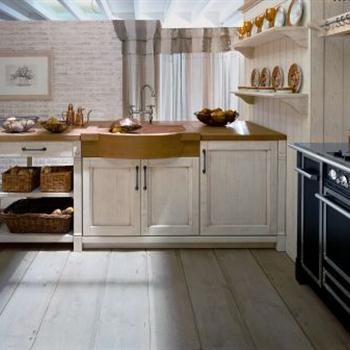 Minacciolo kitchen furniture by Woodylook