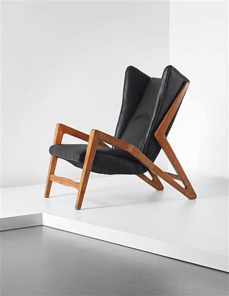 Ginluigi Banfi, Lodovico Belgiojoso, Enrico Peressutti & Ernesto Nathen Rogers Attributed; Leather and Walnut Lounge Chair for Studio BBPR, 1950s. Rare wingback armchair, 1950s