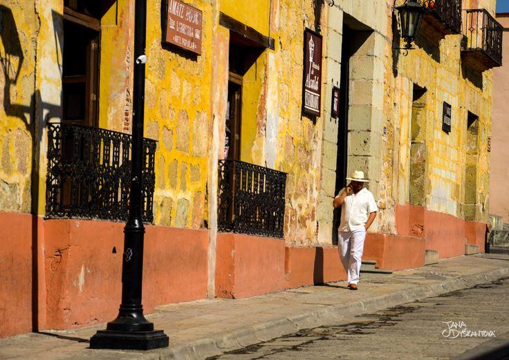 Mexico, San Cristobal de las Casas - Mexican life  http://janadyskantova.cz/gallery/central-america/