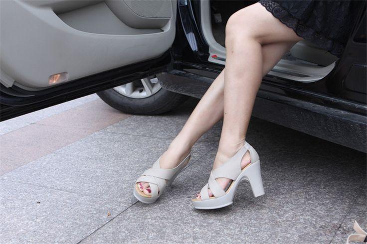 2017 водонепроницаемый платформа новый специальный кожаный simple мода туфли на высоком каблуке Рим толщиной с рыбой рот женские сандалии купить на AliExpress