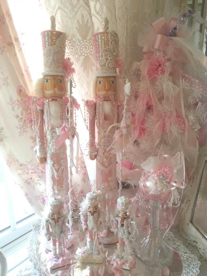 Shabby Pink Christmas│Olivia's  Romantic Home