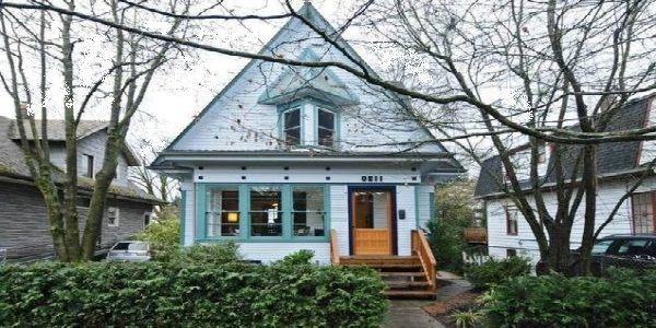 USA Triangular House Design
