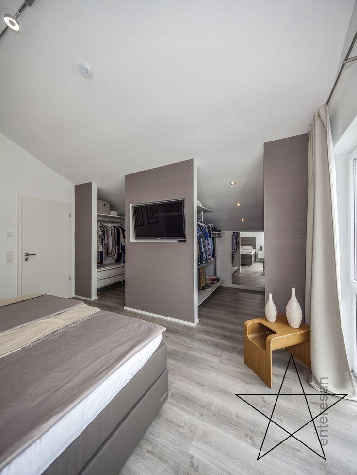 Schlafzimmer Mit Begehbaren Kleiderschrank Bei Diesem