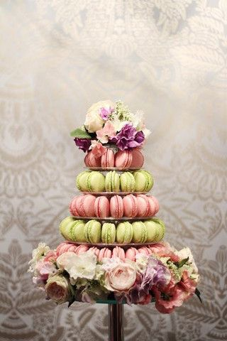 Macaron Tower, 5 Tier with Flowers. Made by Anges de Sucre www.angesdesucre.com #angesdesucre