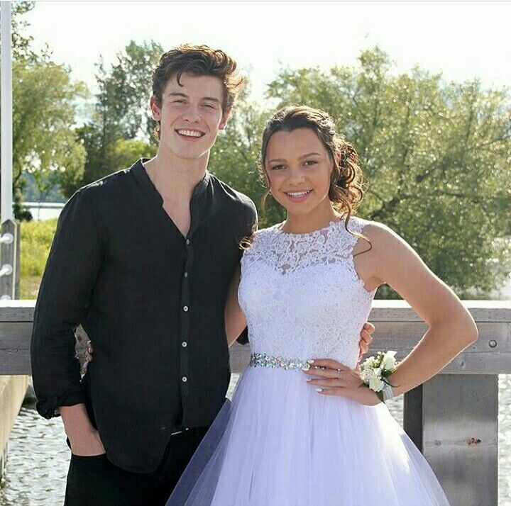 Shawn and Aaliyah❤ GUYS I'M CRYING RN IDEK WHY THE HECK I AM CRYING THIS IS SO BEAUTIFUL AHHHHH@BruhItsAz