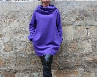 Zwarte Maxi jurk - schattig combinatie van stof, design en comfort!  Een zeer goede keuze voor de Fall/Winter/Lente seizoenen :)  Accessorize uw jurk met een riem, een motorfiets jas, grote Armbanden :)  Draag het met over de knie laarzen, sneakers, lace up laarzen, pumps, ballerinas!   Productie: Dikke elastische katoenen Tricot  Long: 125 CM - 50 inch    GROOTTE: DIT MODEL BESTAAT IN 5 MATEN:  S - BREEDTE VAN DE JURK OP DE HEUPEN GEBIED: 115 CM/42 INCH - VOOR HEUPEN TOT 90 CM IN RONDE…