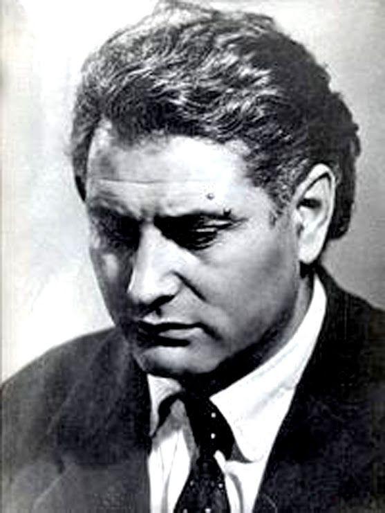 Ованес Шираз Ованес Тадевосович Шираз (Оник Карапетян), Оганнес Шираз (арм. Հովհաննես Շիրազ; 27 апреля 1914 — 14 марта 1984)  — армянский поэт, общественный деятель.