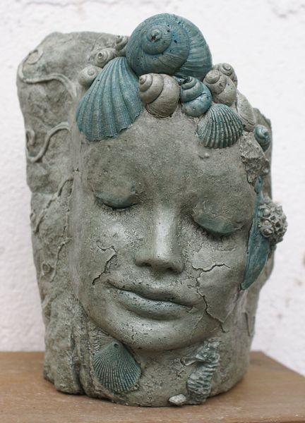 "Skulptur ""Wassernixe Garten, Muscheln von Mandagora auf DaWanda.com"