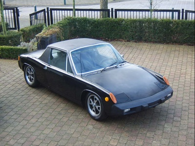 Mmmmh. Porsche 914. Much to different to be ignored!