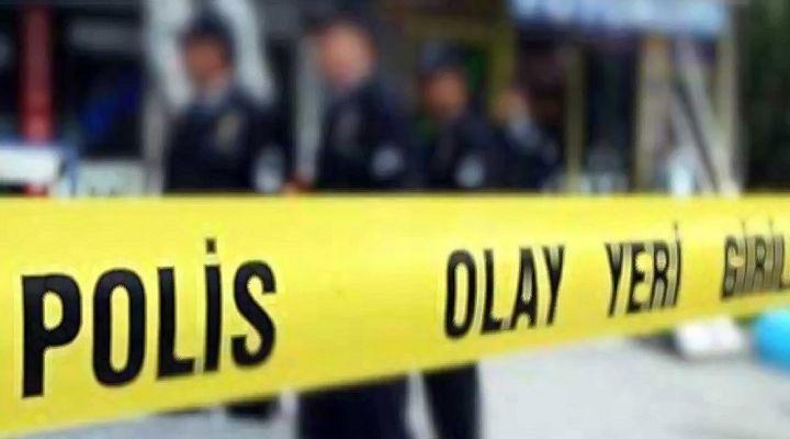 3 Çocuk Annesi Kadın Evinde Bıçaklanarak Öldürüldü