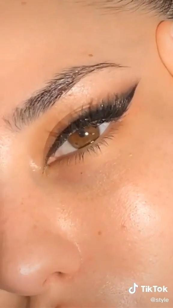 Loading Makeup Eyeliner Makeup Tutorial Artistry Makeup