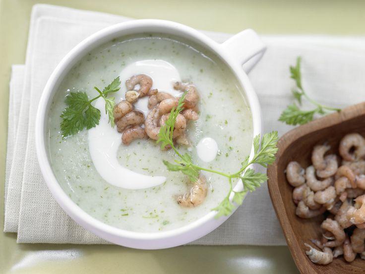 Pürierte Pastinakensuppe - mit Nordseekrabben - smarter - Kalorien: 91 Kcal - Zeit: 30 Min. | eatsmarter.de Aus eine Suppe lässt sich schnell aus Pastinaken zaubern.