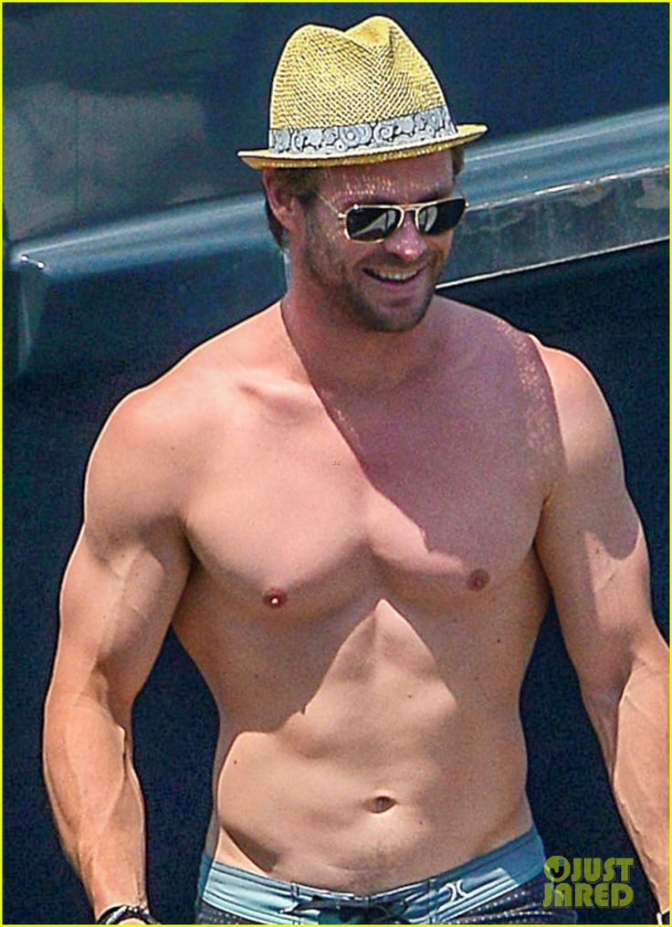Shirtless Chris Hemsworth & Bikini-Clad Elsa Pataky Show ...