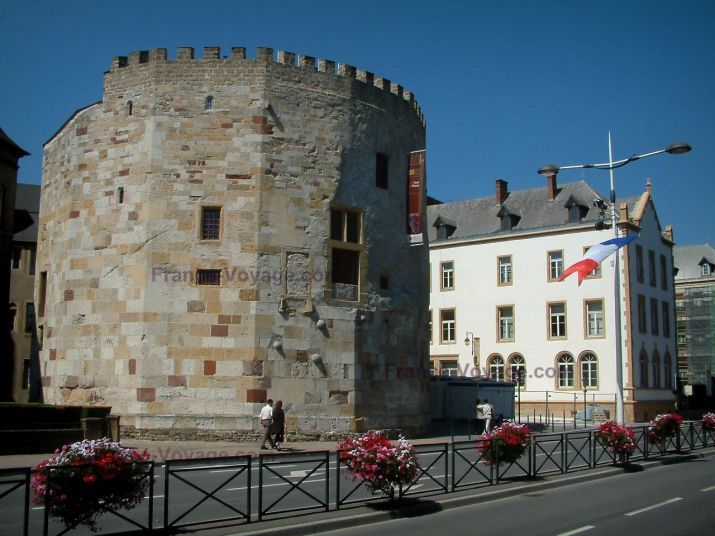 Les 25 meilleures id es concernant thionville france sur pinterest luxembourg luxembourg for Architecte thionville