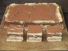Słodkie orzechowo - czekoladowe ciasto bez pieczenia na herbatnikach przypominające pralinki Ferrero Roche, idealne dla łasuchów i wielbicieli słodkości