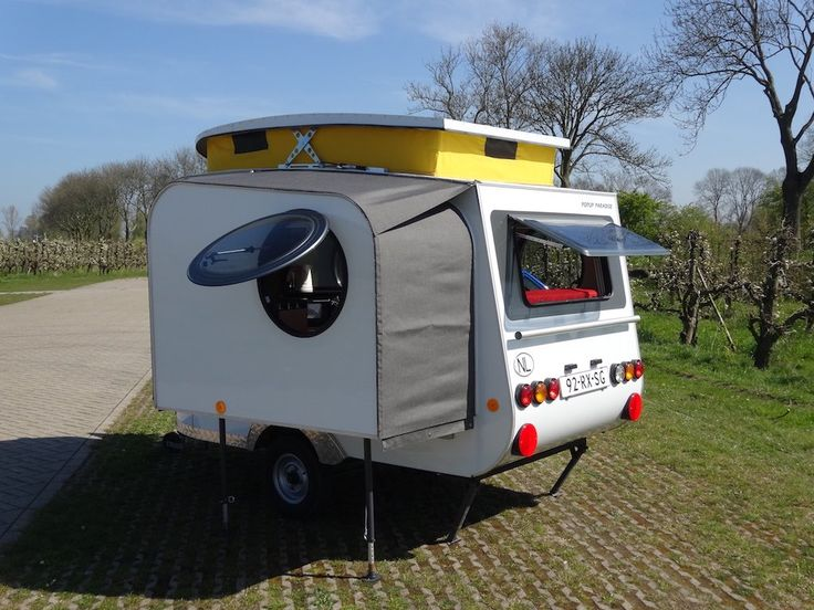 …Unable to find a camper that he liked, Dutch tinkerer Jurgen Jas built this impressive micro-camper himself… Apparently this camper, which weighs less than 500 kilograms (1,100 lbs), gets 37.16 miles per gallon when towed. Jas' website provides more photos ... Read More