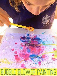 Mit nur zwei Zutaten, wird diese super Spaß Blasen von Blasen malen Ihre Kinder gebannt!