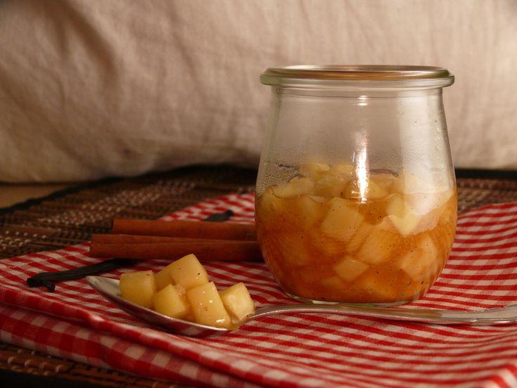 Leckeres Apfel-Birnen-Ragout als Beilage zu jedem Dessert. #dessert #lecker #apfel #birne