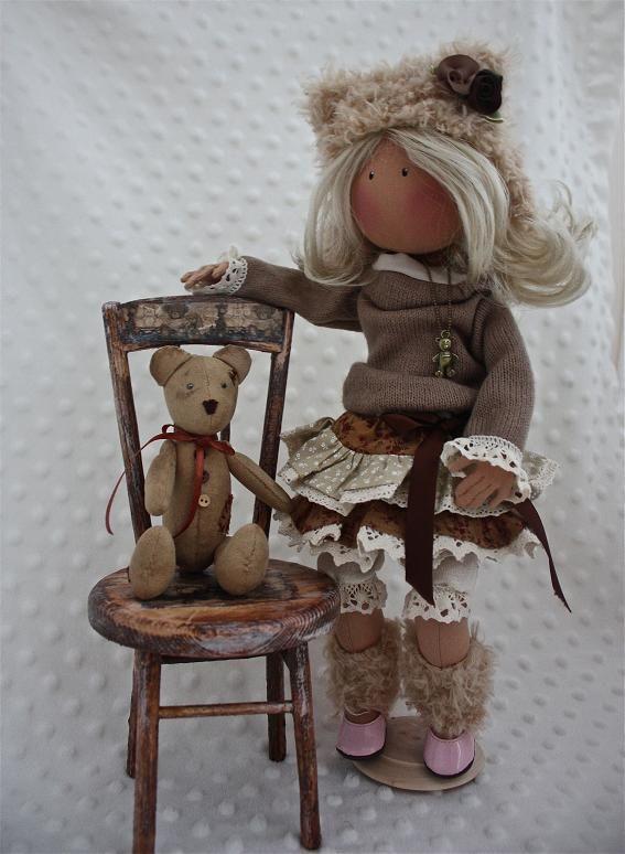 стульчик для куклы