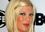 Celebrity Hair How-To: Get Tori Spelling's Simple Twist , Tori Spelling hair is chic & classy, giving us an inspired, elegant celebrity hairstyle! Find out how to get Tori's simple twist with this easy guide. , Admin , http://www.listdeluxe.com/2017/06/18/celebrity-hair-how-to-get-tori-spellings-simple-twist/ ,  #ToriSpellingHair:HowToGetTori'sSimpleCelebrityTwist, , Celebrity Hair How-To: Get Tori Spelling's Simple Twist
