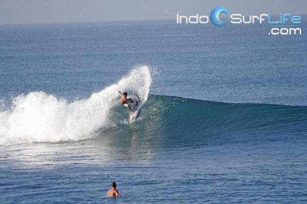 Daily Surf Reports with photos so you can plan your sessions accordingly, and statements of surfbreaks as tides and wind direction are indicated in column wave check.