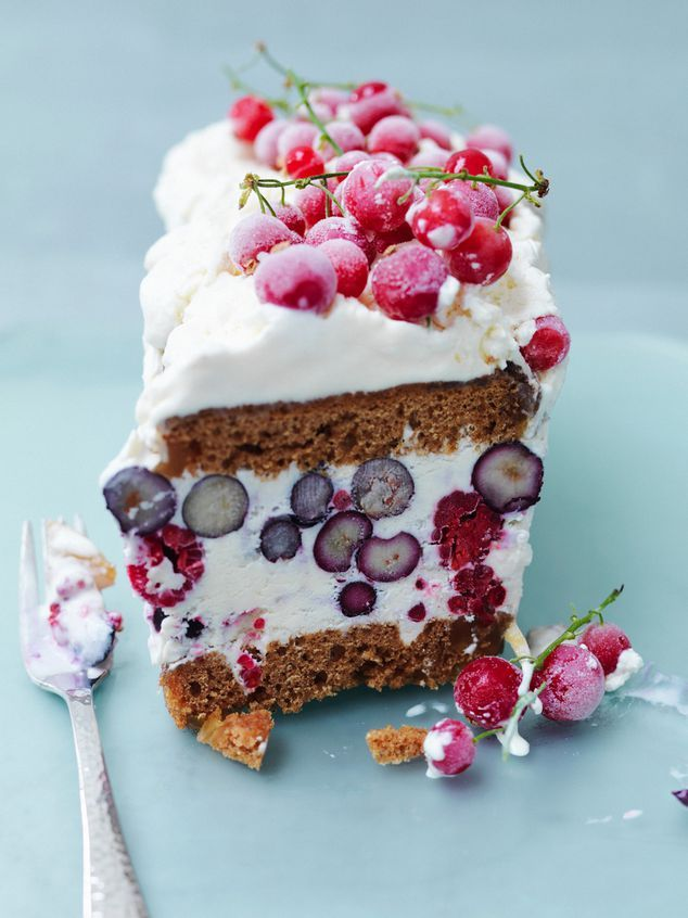 gingerbread with ice cream and cherries