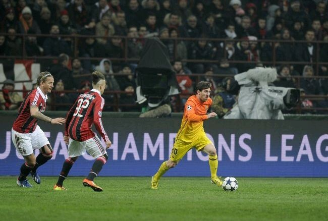 Prediction Barcelona vs AC Milan Champions League in March 2013 Barcelona must win at least 3-0 to AC Milan in the second leg of the Champions League round of 16 that was held on Tuesday, March 12, 2013 night. lost 0-2 in the first leg makes Barcelona had no choice but to attack