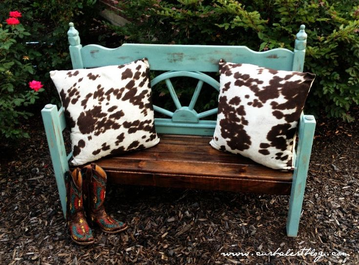 Rustic Western Headboard Bench Makeover with Annie Sloan Chalk Paint and Minwax Stain via Curb Alert! http://www.curbalertblog.com