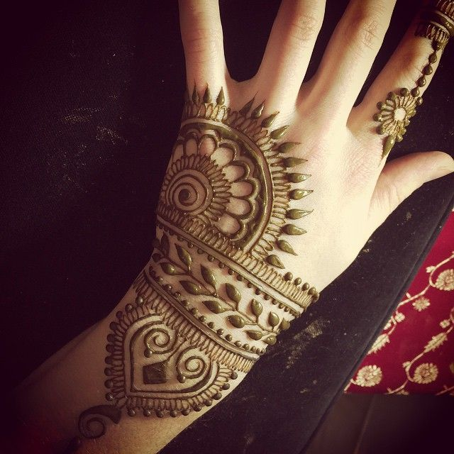 "This one's called ""Elements I know and love: a mash up"" #henna #heartfirehenna…"