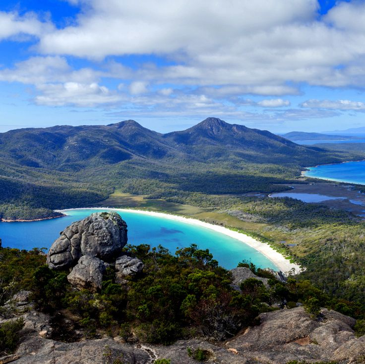 This itinerary will see you fly into Hobart, ready to indulge in the ultimate Tasmanian escape. Discover cultural heritage & Tasmania's rich natural beauty.