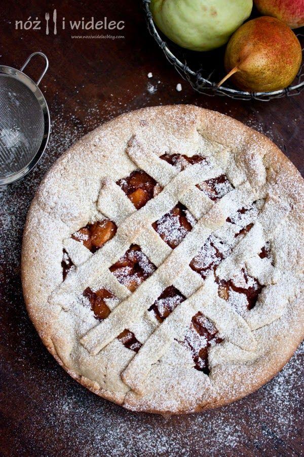 Tarta z jabłkami, cynamonem, rodzynami i goździkami #gryz #MagazynGRYZ