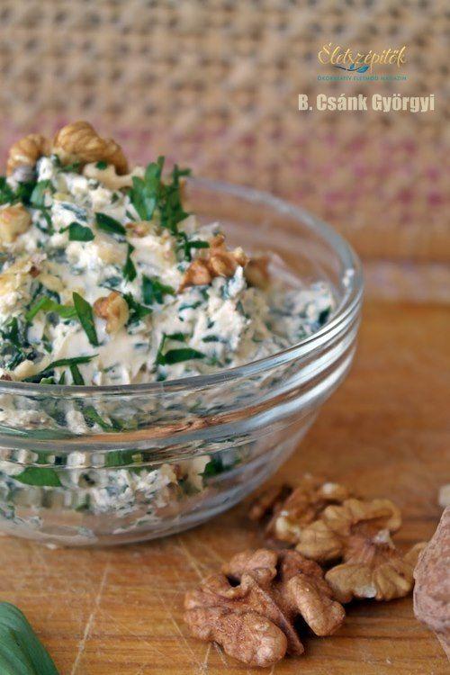 Medvehagymás sajtkrém pirított dióval | Életszépítők