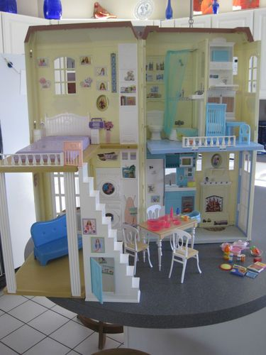 Rare Mattel Barbie Happy Family Dollhouse Complete With Furniture Sounds Lights Ebay Barbie
